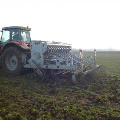 Drills for establishing spring wheat; power harrow combination drill, minimum tillage Vaderstad drill, Ecodyn direct drill